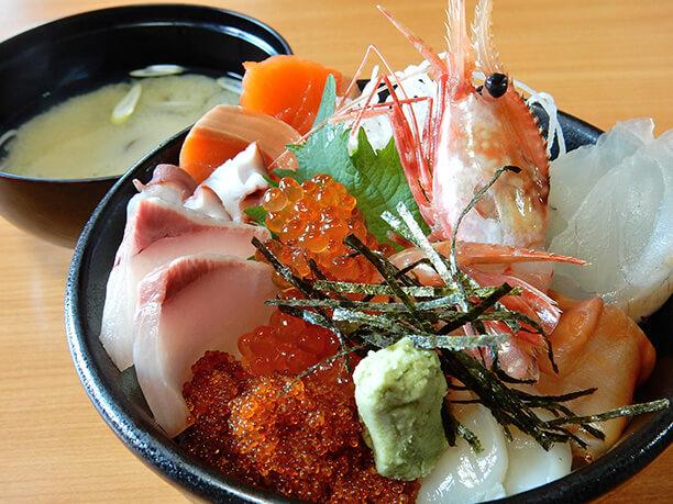 新鮮海鮮丼