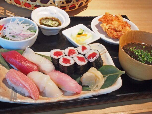 お寿司とザンギ