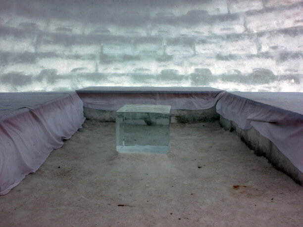 氷のロッジ