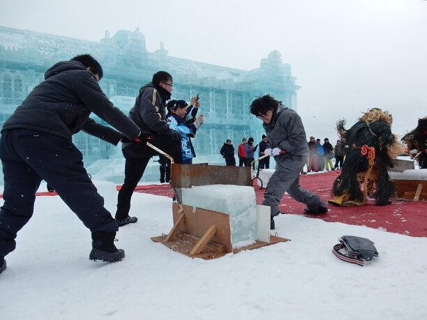 氷の早切り大会
