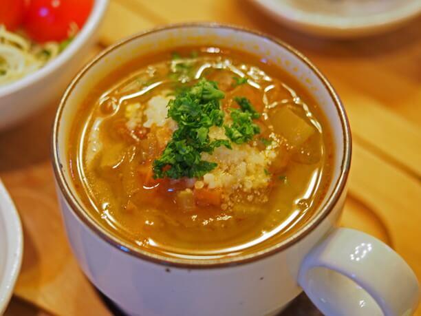 さしい味の上質スープに