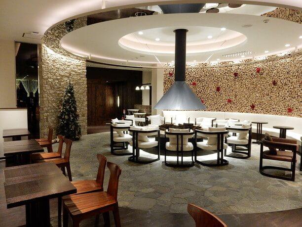 温もりあふれるカフェスペース