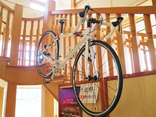 館内に飾られているカッコいい自転車