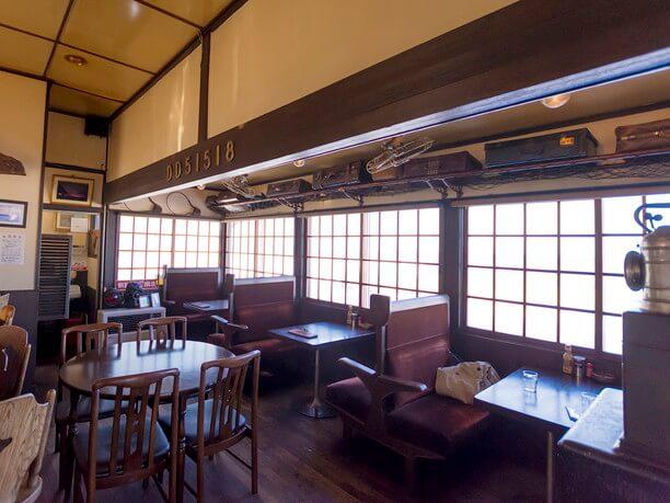 元駅長室を改装して造られた、軽食&喫茶「停車場」
