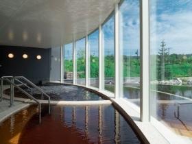 水着で入るモール温泉