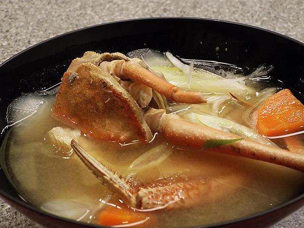 毛ガニの味噌汁