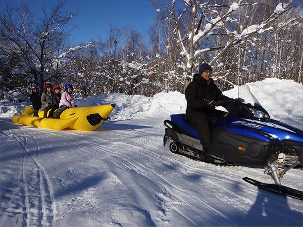 雪上バナナボート
