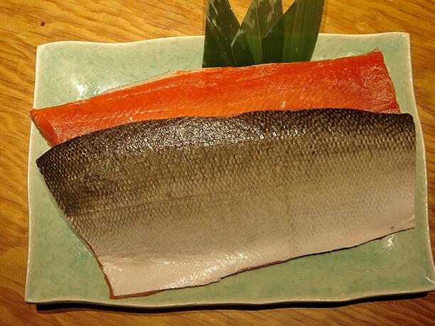 羅臼産の鮭