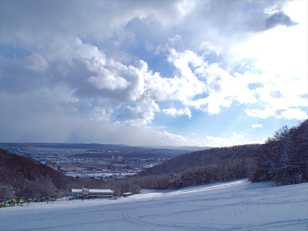 間近に見える札幌市街