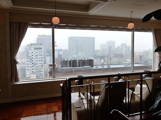 ラウンジから見える札幌の街並み
