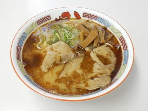 焦がしラードを加えたスープが特徴