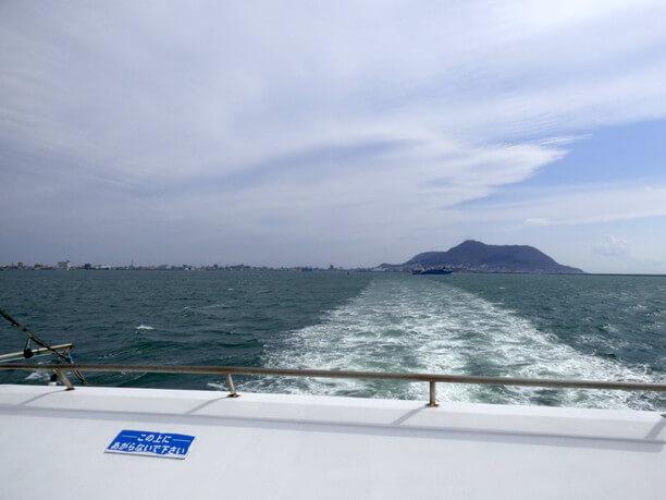 遠くの函館山