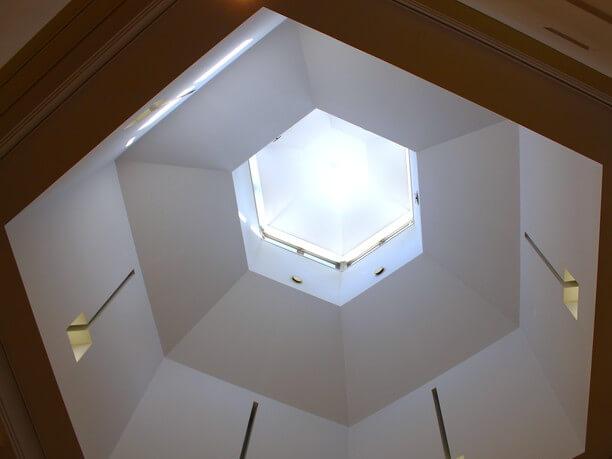 雪の結晶をイメージした六角形のデザイン
