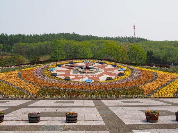 巨大な花時計ハナック