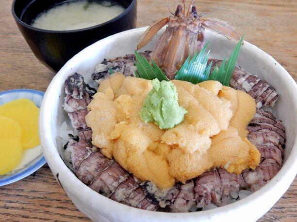 海水ウニとシャコの丼