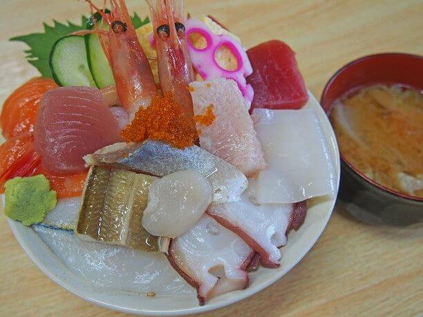 弐七(にいなな)丼