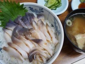 ホッキ丼(800円)