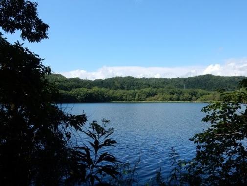 ポロト湖の風景