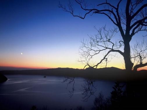 夕暮れも美しい摩周湖