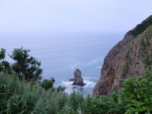 ロウソク岩