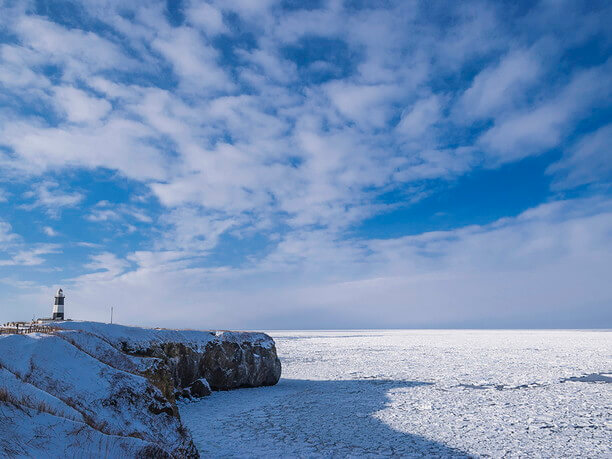オホーツク海に突き出た能取(のとろ)岬