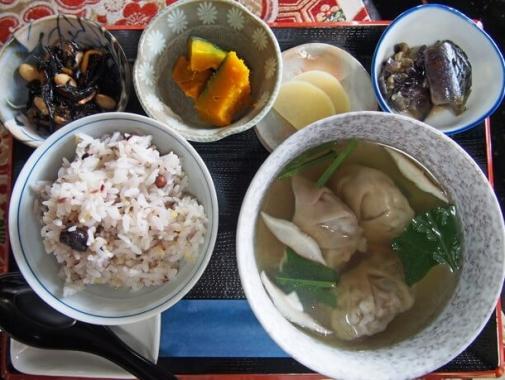 原木椎茸たっぷりのスープ餃子