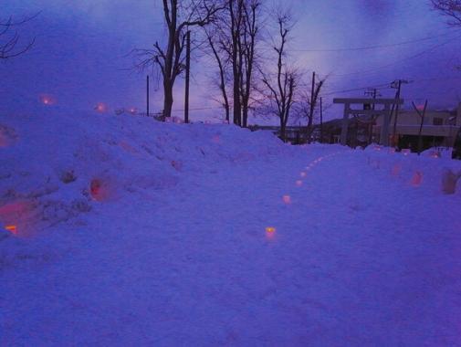 神社の雪あかり