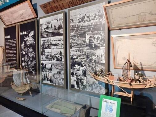 船の模型や写真