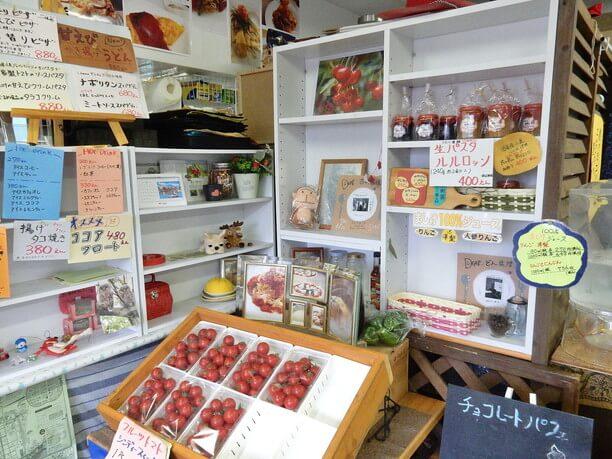 季節の野菜や自家製のフルーツジャム