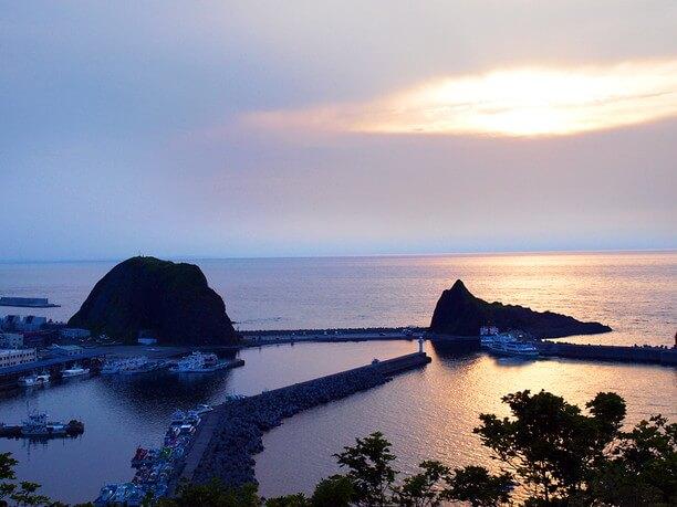 日没後の海と空のグラデーション