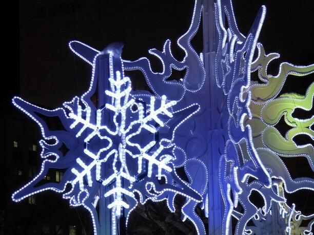 雪の結晶のようなイルミネーション