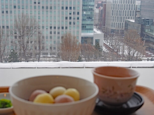 カウンター席から見る札幌の景色