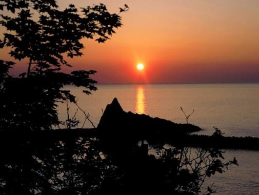 温泉から見える夕日