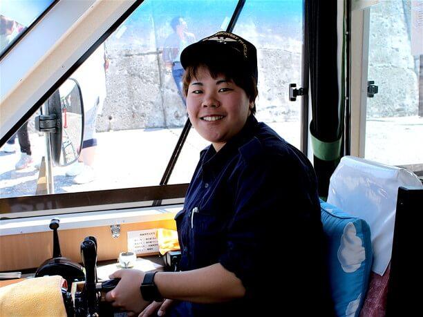 「あおばと」の船長の小島萌子さん