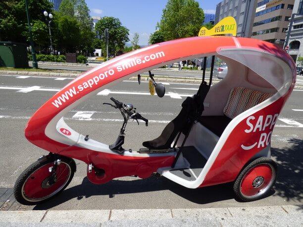 自動車タクシー