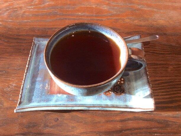 ふらのぶどう果汁が入ったカップ