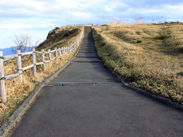 山頂までの登山道