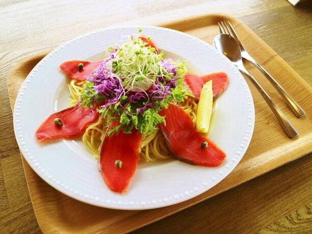 スモークサーモンのパスタサラダ