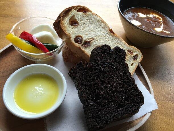 パンとビーフシチューのセット
