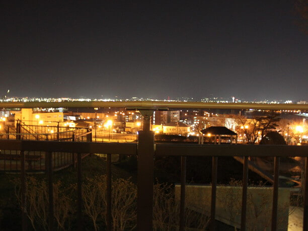 ロマンチックな夜景を静かに堪能できる穴場