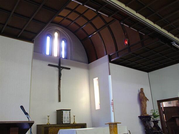 礼拝堂のアーチ型の天井
