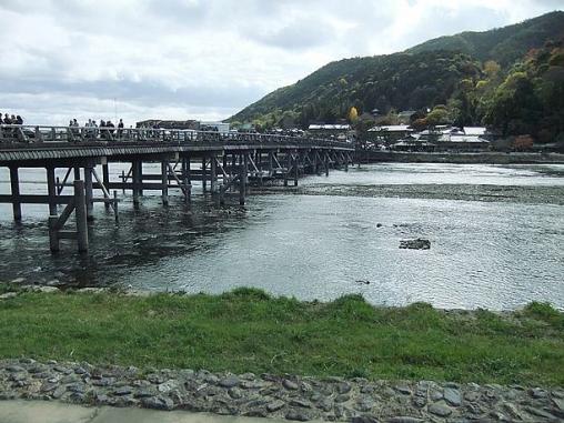 渡月橋流れ