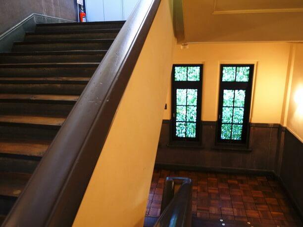 廊下や階段