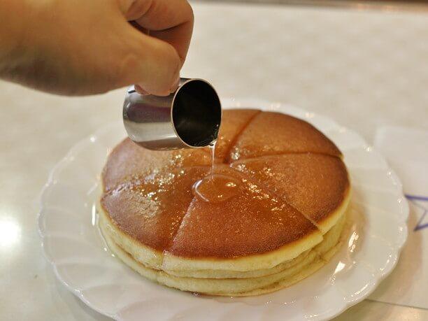 シンプルなホットケーキ