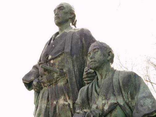 竜馬と慎太郎像