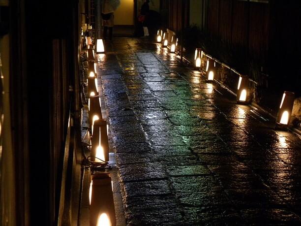 小路の灯り