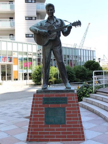 エルヴィス・プレスリーの像