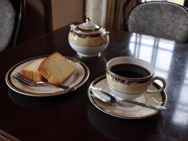 コーヒーとアサヒビール特製ワインケーキ