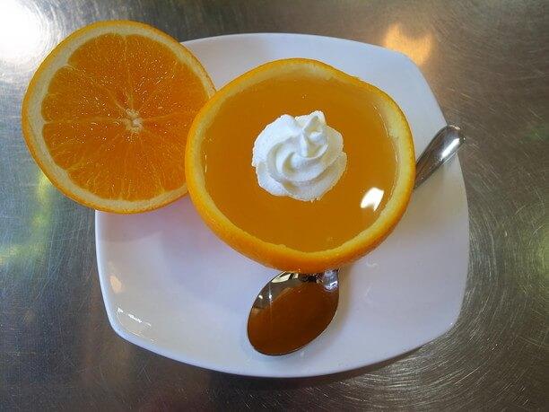 オレンジをまるごと使ったゼリー