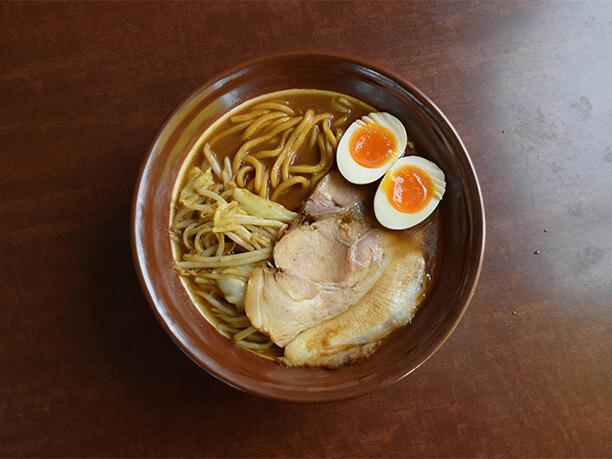 新潟を代表する濃厚味噌ラーメン